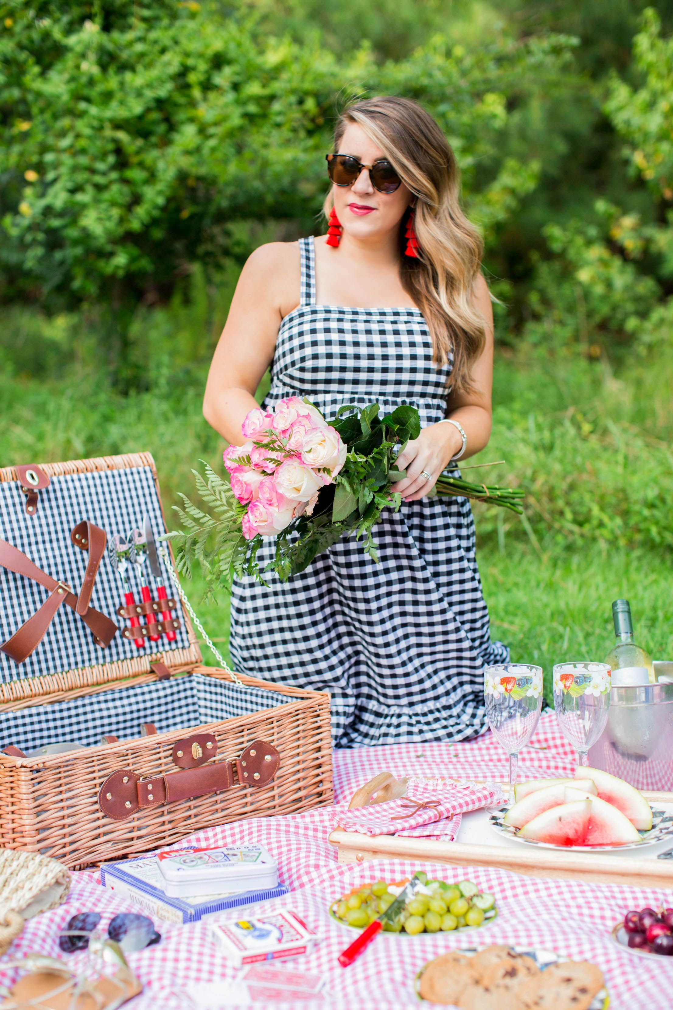 How To Have The Perfect Summer Picnic Coffee Beans And Bobby Pins Picnic Outfits Summer Picnic Perfect Summer [ 3318 x 2212 Pixel ]