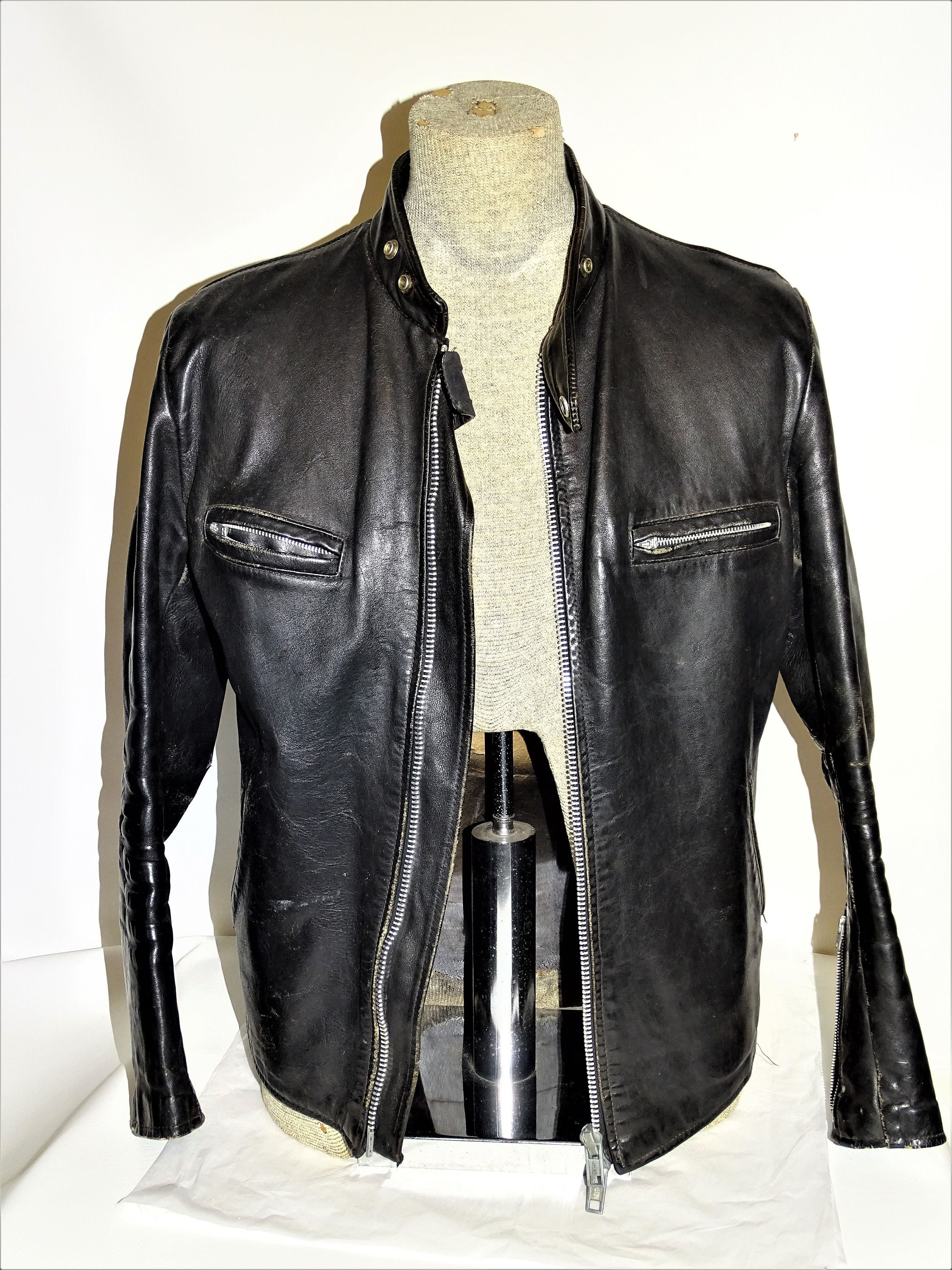 Mens Vintage Black Leather Motorcycle Jacket Chest 44 With
