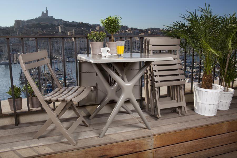 Petite Table Et Chaises Pliantes Grosfillex En Vente Sur Le Site Decostock Mobilier Exterieur Table Et Chaises Mobilier Jardin