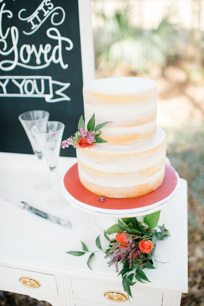Posh Petals and Pearls, Wedding Cake, Naked Cake, Photo: Rach Loves Troy