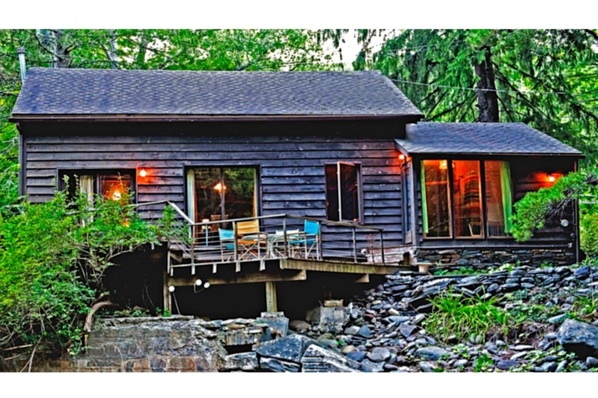 secluded log com rustic vrbo acre cabins valley pin cabin ny private rentals