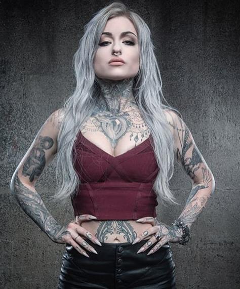 This Female Tattoo Artist Just Broke Major Gender Barriers Ryan Ashley Ryan Ashley Malarkey Female Tattoo