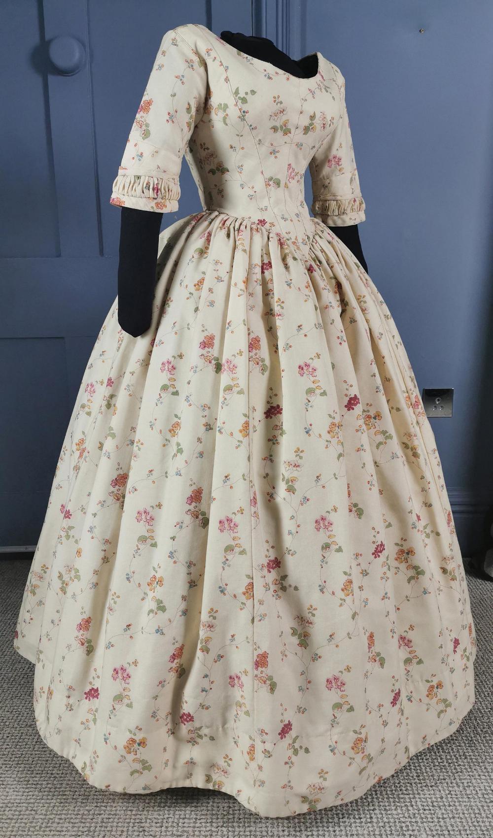 Almost Pristine 1840s Floral Print Dress Victorian Antique Fashion Historical Dresses Victorian Dress Fashion [ 1701 x 1000 Pixel ]