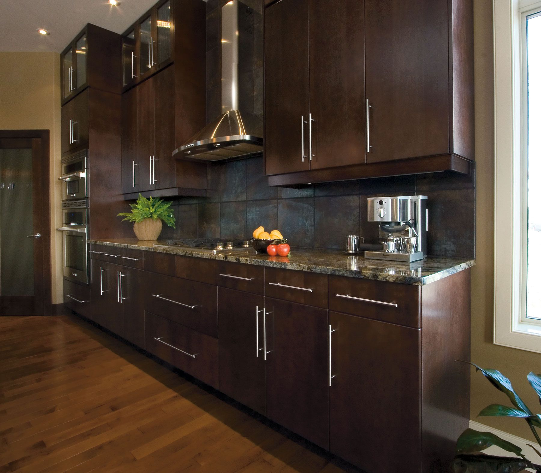 Kitchen Craft Creates A Rich, Luxurious Look With Their Espresso Finish On  Summit Maple Doors
