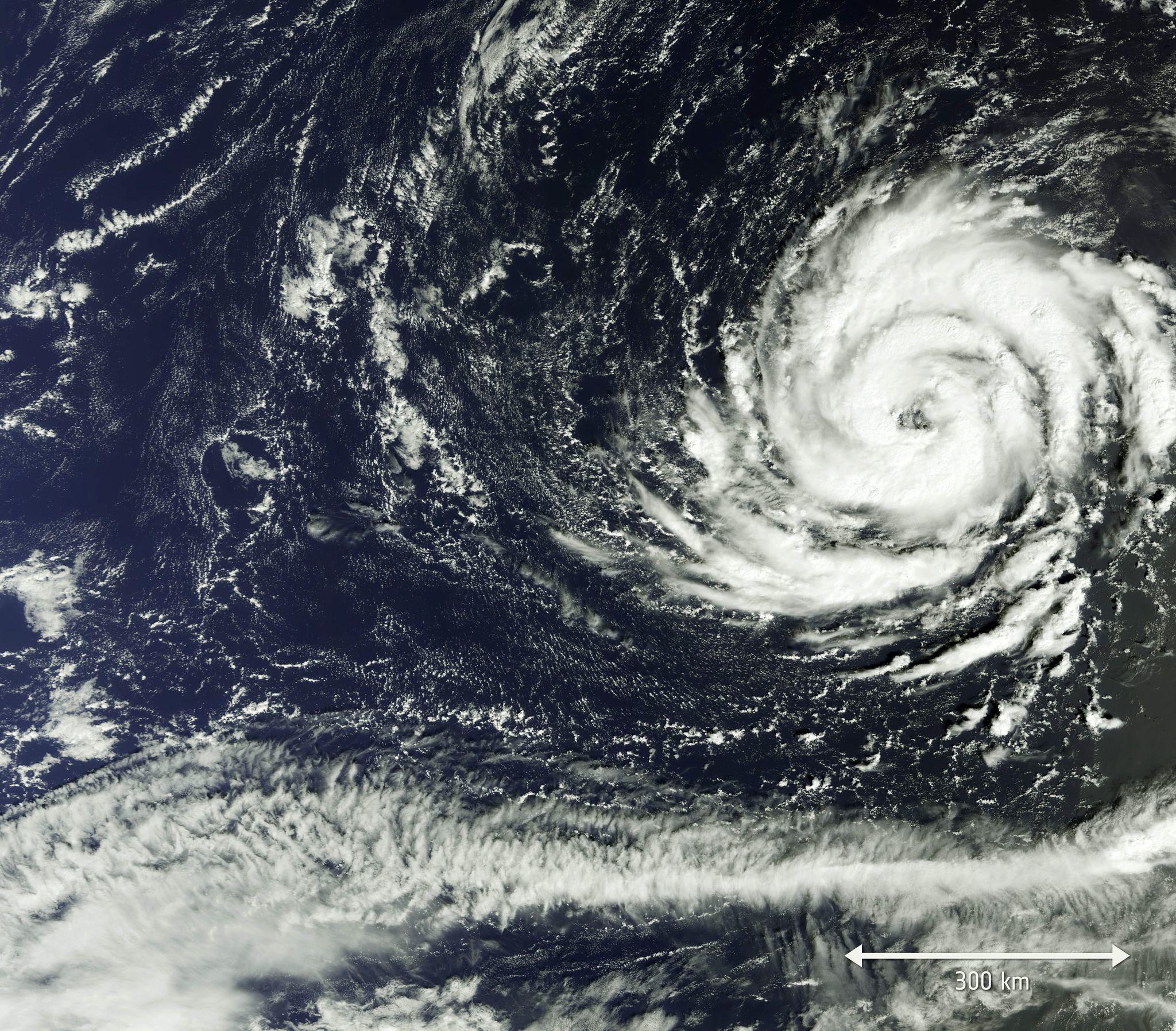Ireland U K Brace For Impact Of Strengthening Hurricane Ophelia Storm Bad Storms Severe Weather