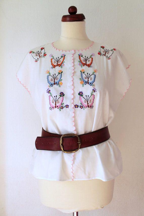 Vintage Peasant Blouse  1970s Embroidered von PaperdollVintageShop, €19.90