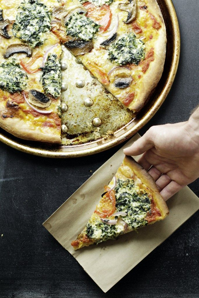 spinach and mushroom provolone pizza