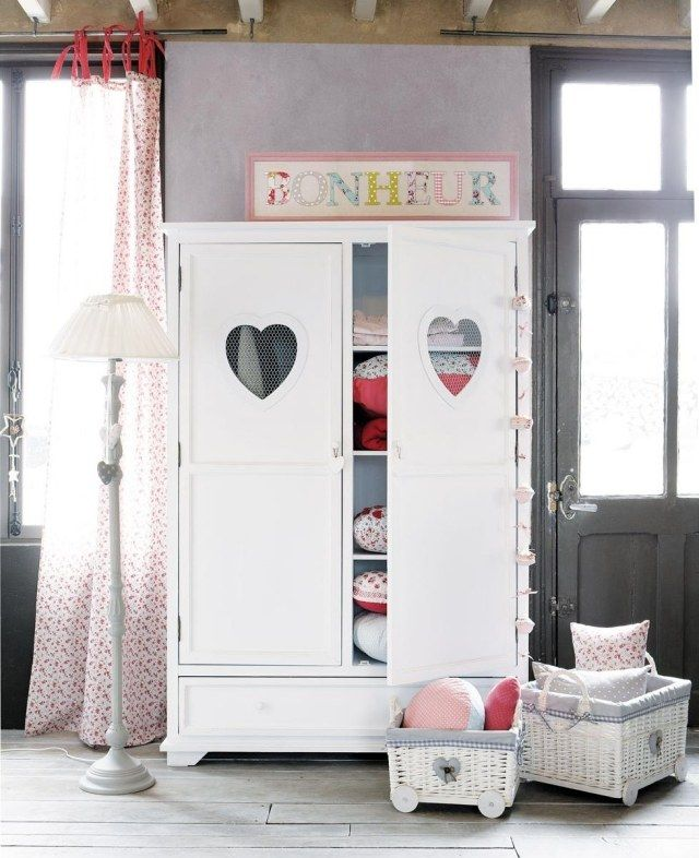 armoire enfant du pays des merveilles pour filles et gar ons armoire enfant armoires et fille. Black Bedroom Furniture Sets. Home Design Ideas