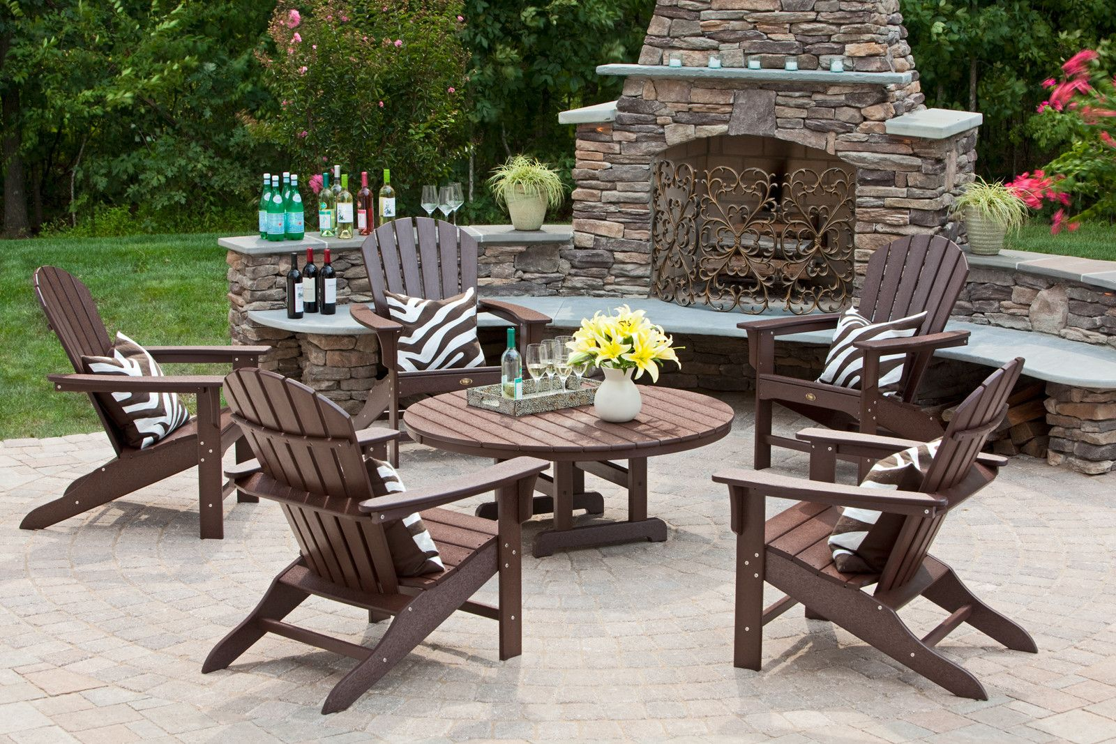 24 Ideas To Try For A Cool Outdoor Fireplace Talkdecor Trex Outdoor Furniture Relaxing Patio Garden Patio Sets