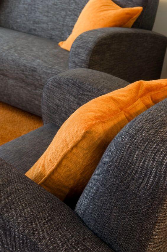 35 Sofa Throw Pillow Examples Sofa Decor Guide Home Stratosphere Grey Couch Living Room Grey Corner Sofa Sofa Throw Pillows