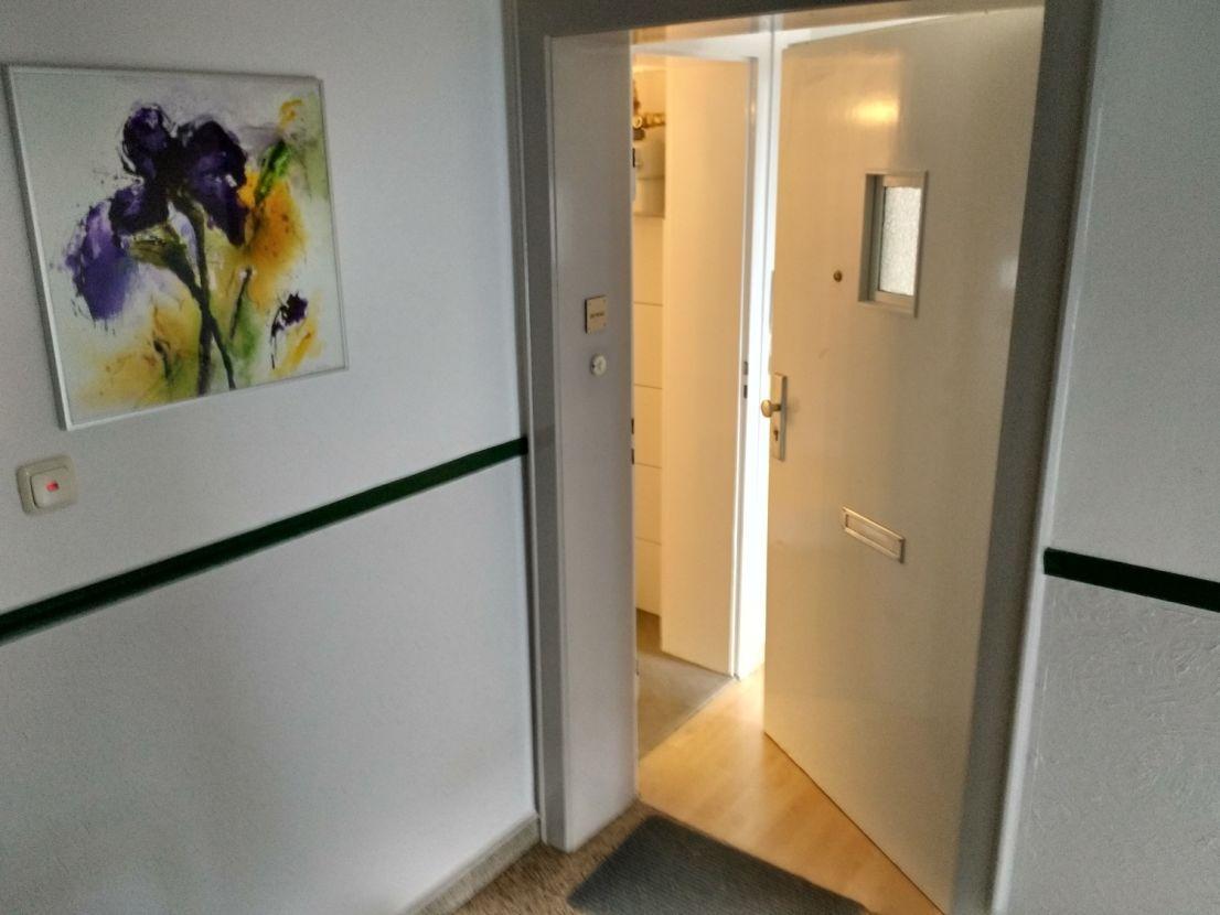 Sanierte 3 Zimmer Wohnung Mit Balkon In Hannover 3 Zimmer Wohnung Wohnung Etagenwohnung