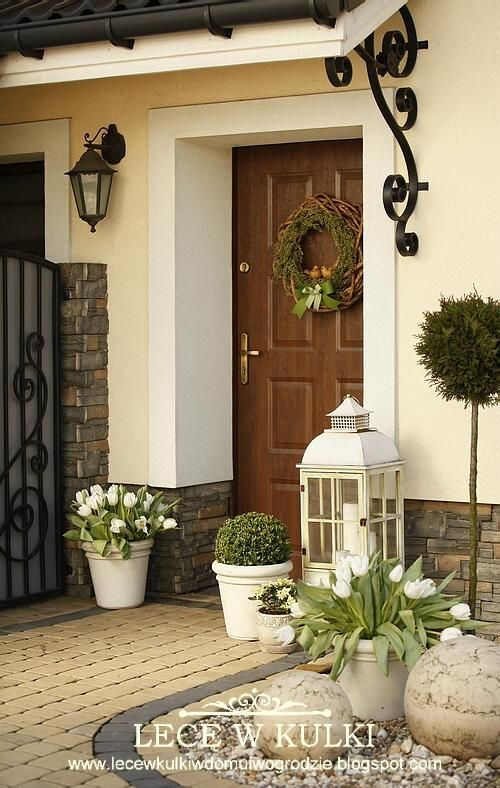 Lece W Kulki House With Porch Porch Design Front Door