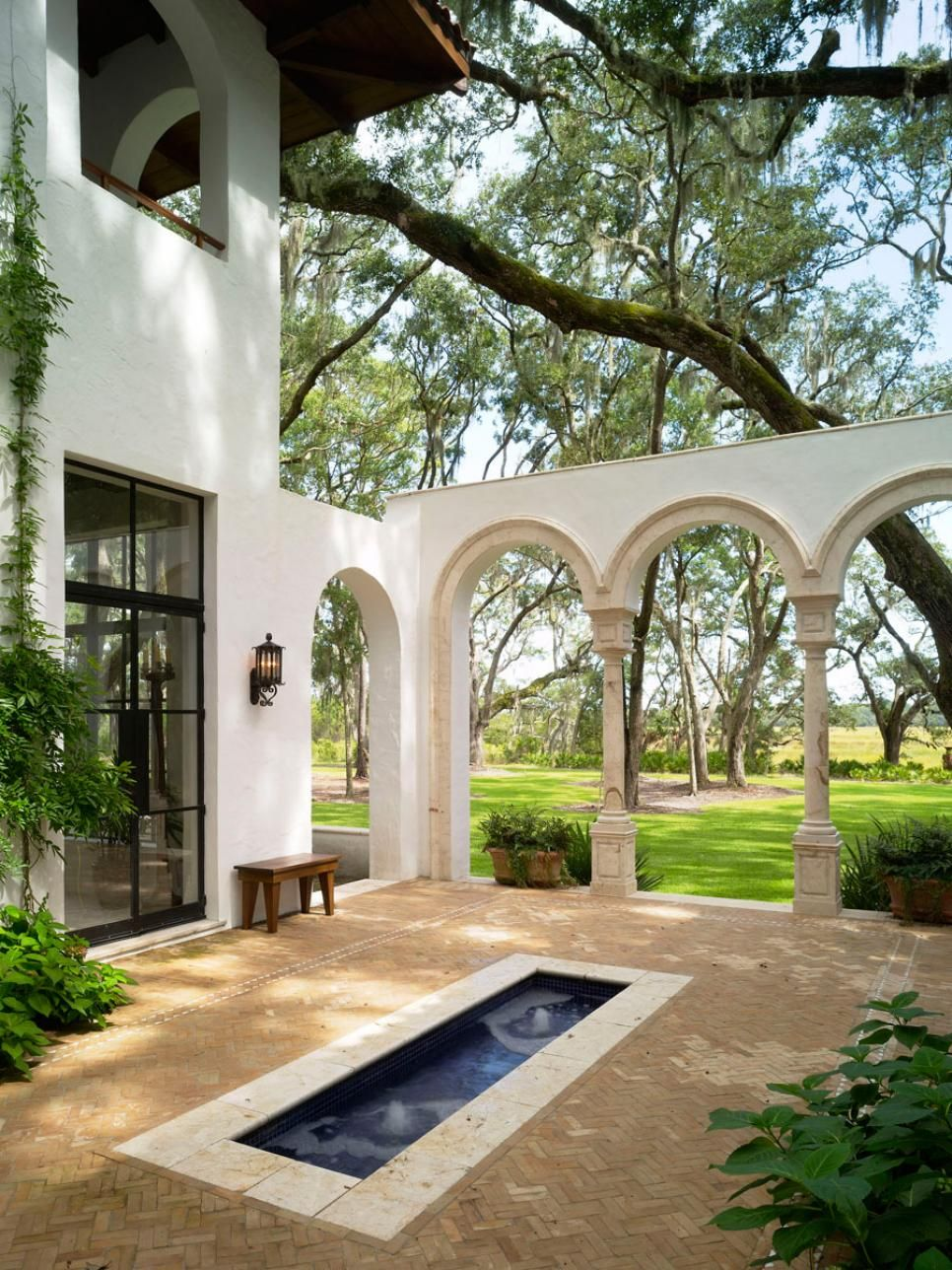 Fantastic 10 Spanish Inspired Outdoor Spaces Spanish Colonial Style Download Free Architecture Designs Fluibritishbridgeorg