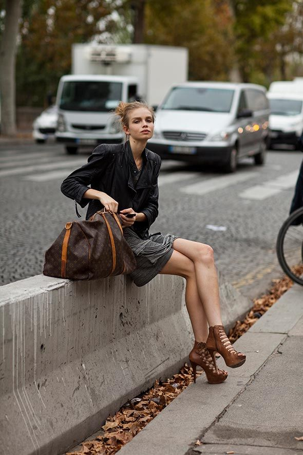 Leather jacket + bare legs.