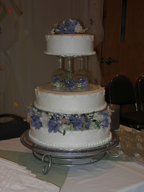 Wedding Cake With Wine Glass Pillars