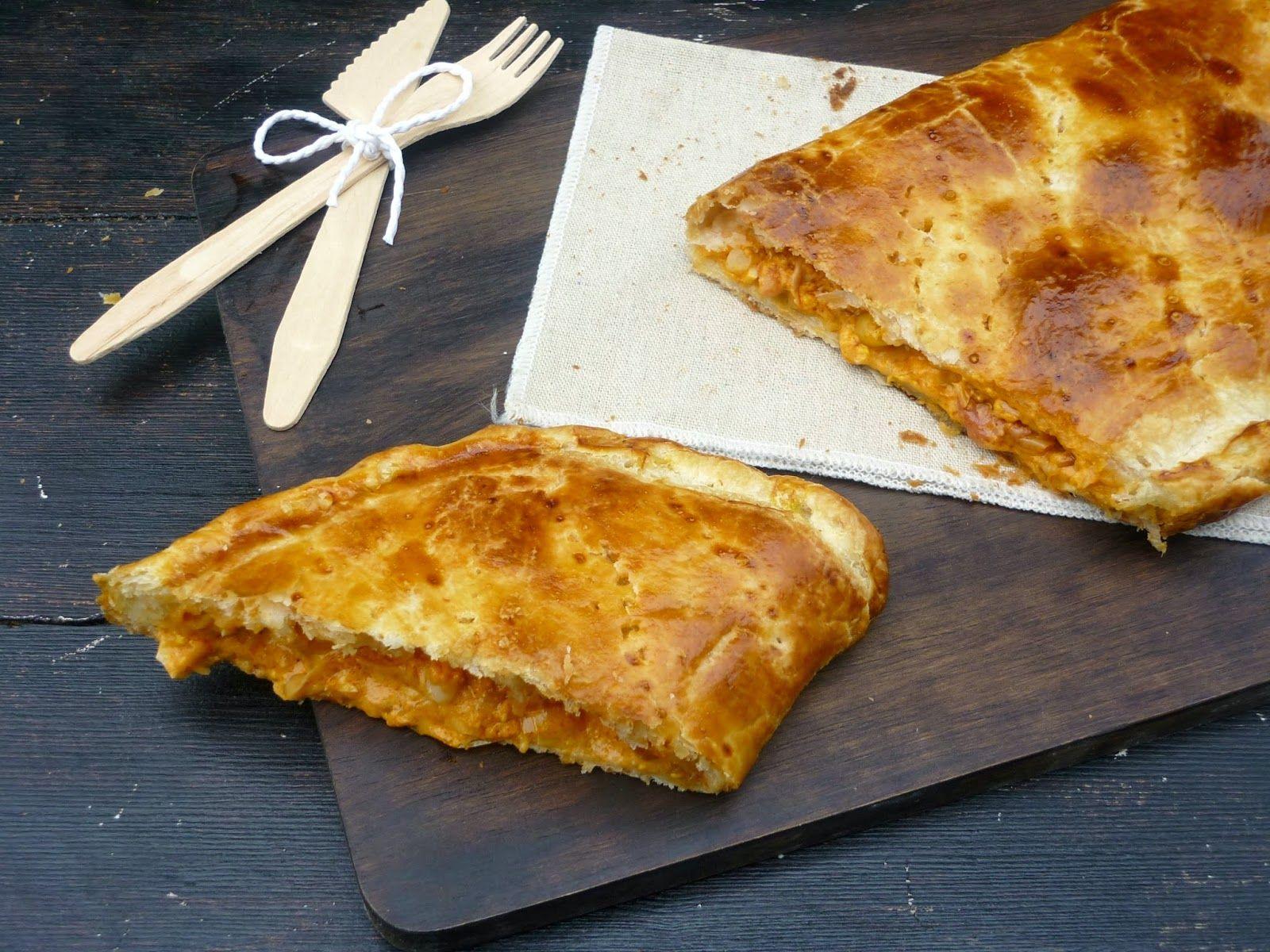 Empanada de hojaldre de puerro y bacon