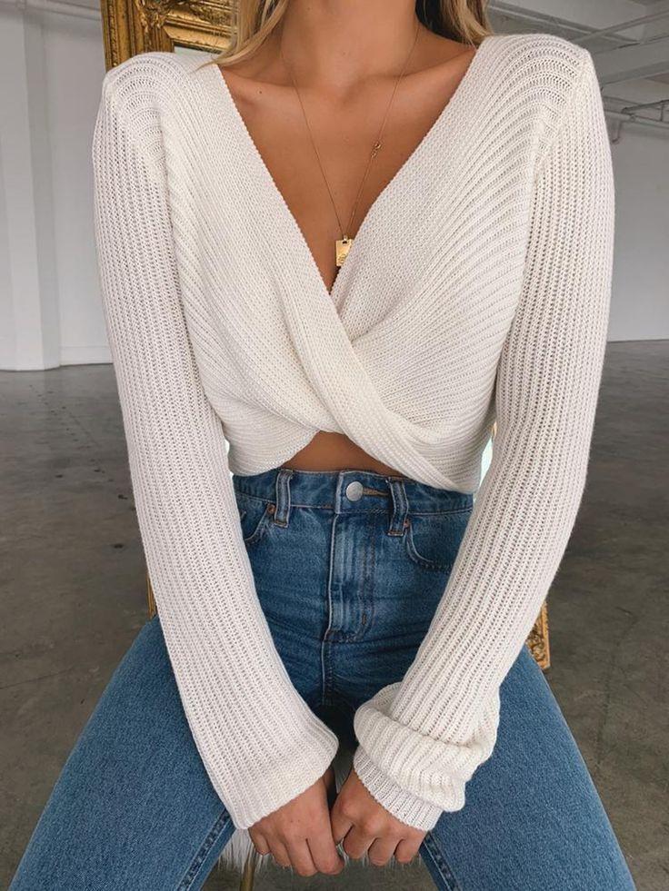 Photo of v-hals vri foran genser hvit genser med vri foran genser