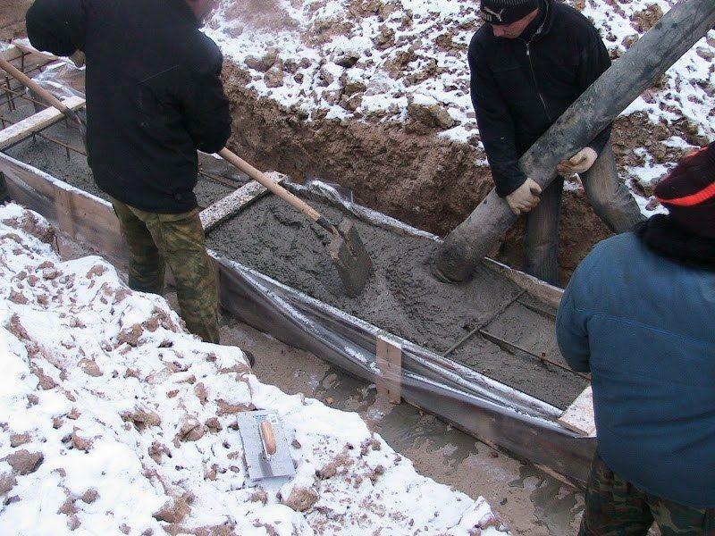 Зимнее строительство фундамента – это выгодно