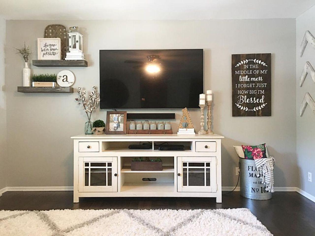 Modern Farmhouse Living Room Decorating Ideas 23
