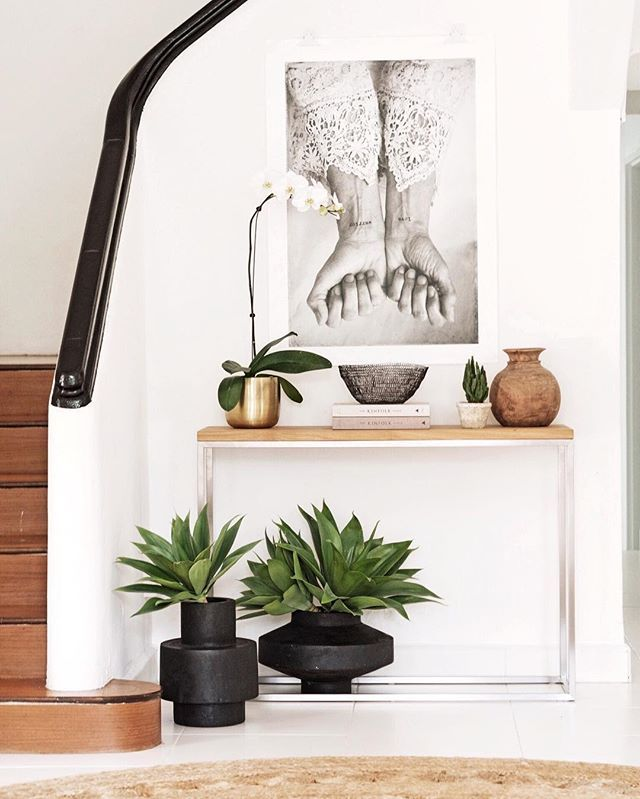 I can never tell with this poster whether the wrists should be facing down or up...? Either way I have a soft spot for it. This was a little styling vignette for our home styling workshop - which we are bringing back soon.