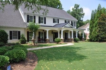 Love This Georgian House With Front Porch Remodel House Front