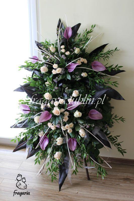 Anturium W Wiencu Funeral Flower Arrangements Funeral Flowers Casket Flowers