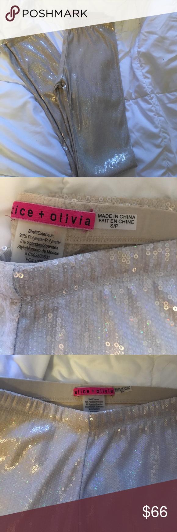 Alice + Olivia  Sequinc Leggings 💗💗💗 Trendy Alice + Olivia leggings. Super cute and stylish. In great shape! Worn once! Size small. Alice + Olivia Pants Leggings