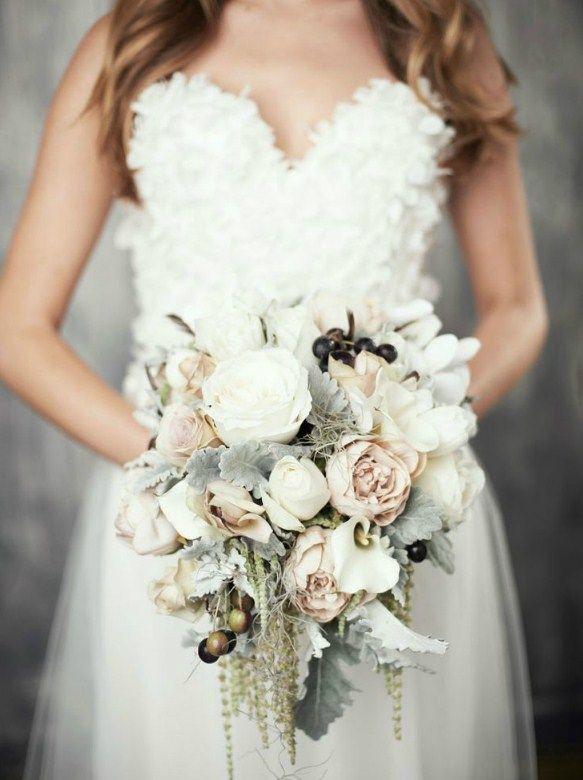 Trailing White Blush Pink Bouquet Source Http Www Funnyweddingmedia 30 Elegant Winter Wedding Bouquets Simple