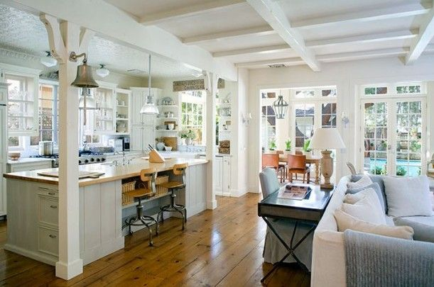 love this kitchen - open and bright!