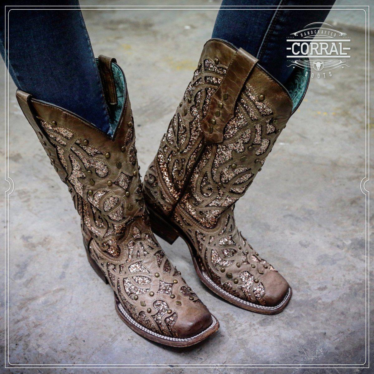 Studs Square Toe Boots C3275