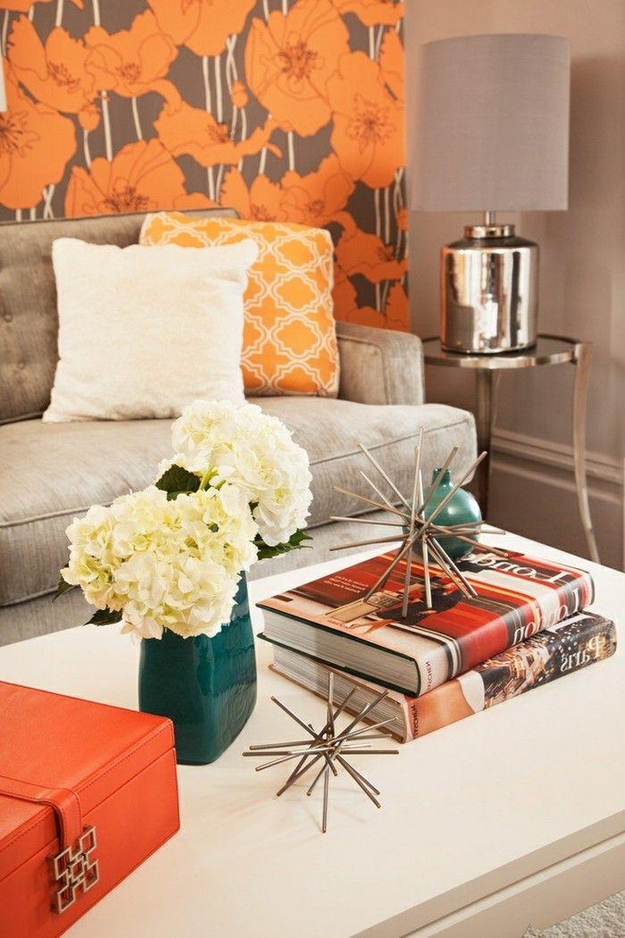 wohnzimmer-tapeten-ideen-große-orange-blumen-erfrischen-den - wohnzimmer ideen orange