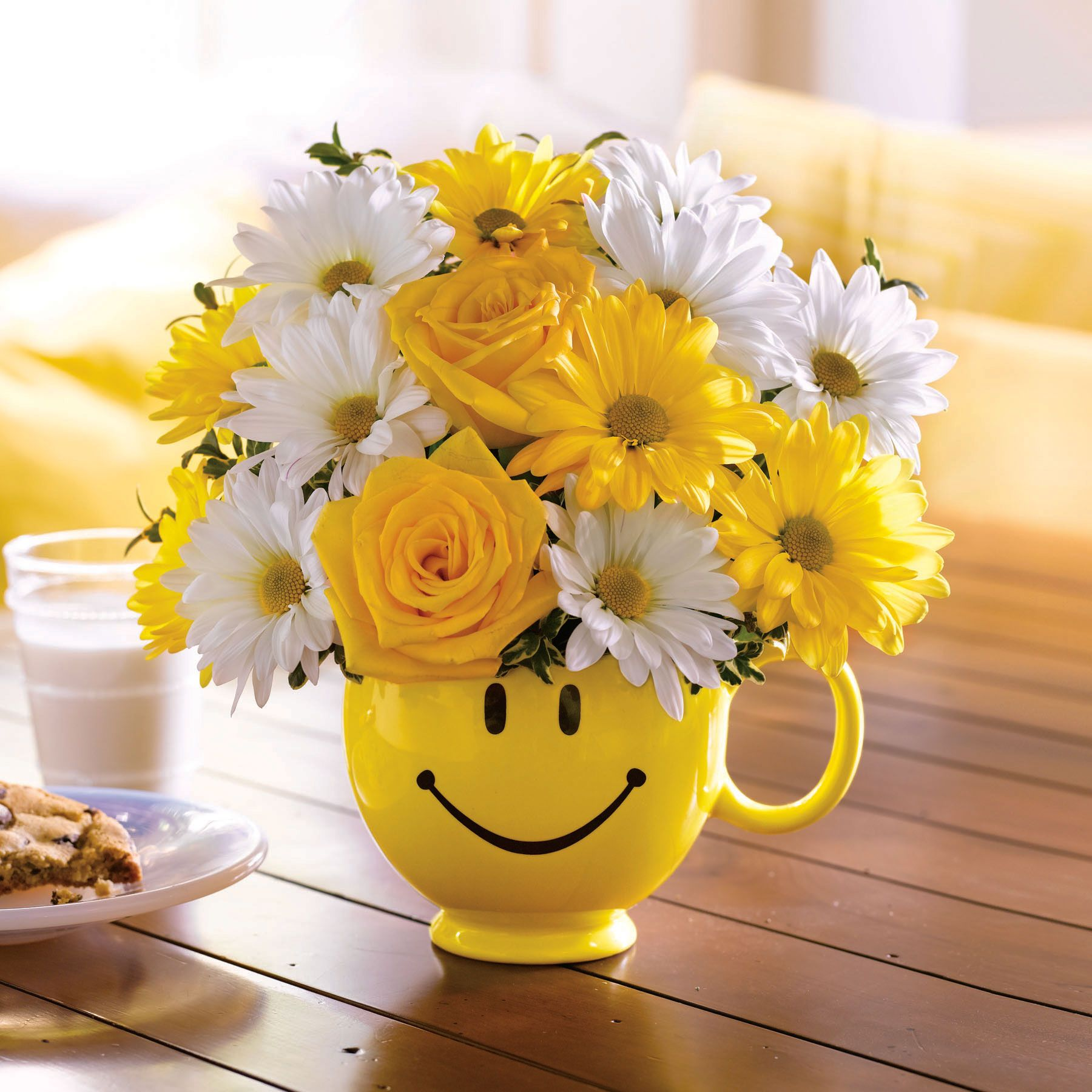 Telefloras be happy bouquet with roses graduation gifts telefloras be happy bouquet with roses izmirmasajfo