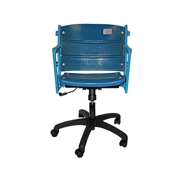 The Perfect Gift For A Yankees Baseball Fanatic Authentic Yankee Stadium Seat Office Chair By Steiner Sports Atgs Ny