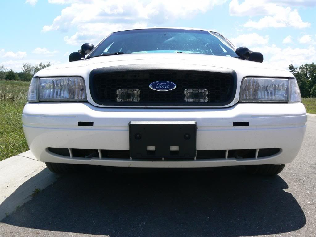 Crown vic grill lights