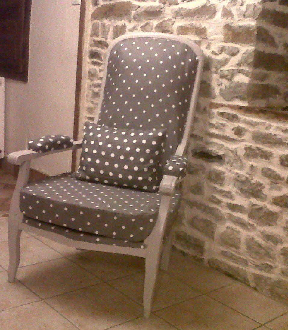 Voltaire relook pois id es meubles fauteuil voltaire tapisserie fauteuil et mobilier de salon - Meuble voltaire ...