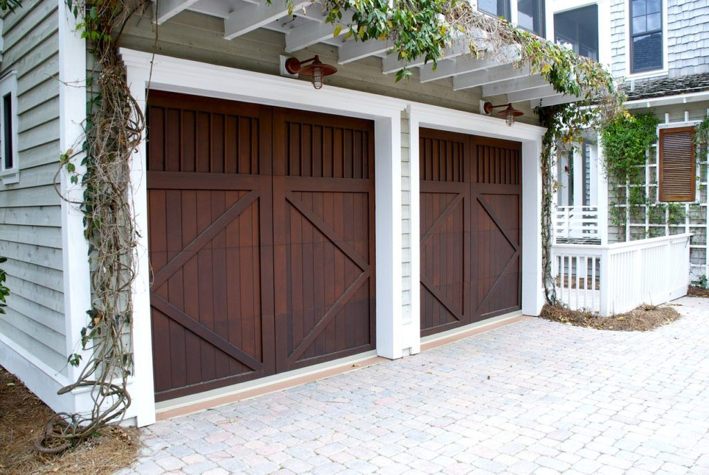 Reasons why should hire professional garage door service