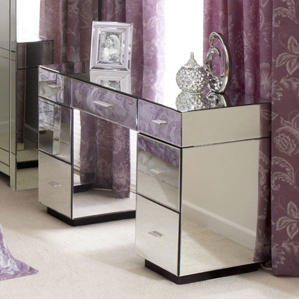 Venetian Mirrored Furniture 7 Drawer Dressing Table, foot of the bed?
