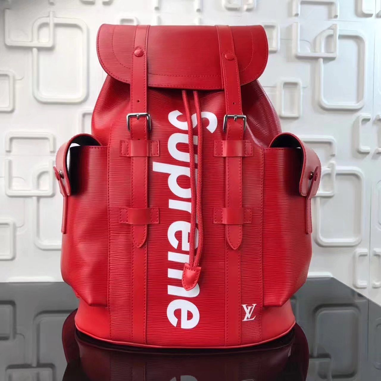 Replica Louis Vuitton Supreme Christopher Red Backpack For Man ID 33430 e8440bcdd0314