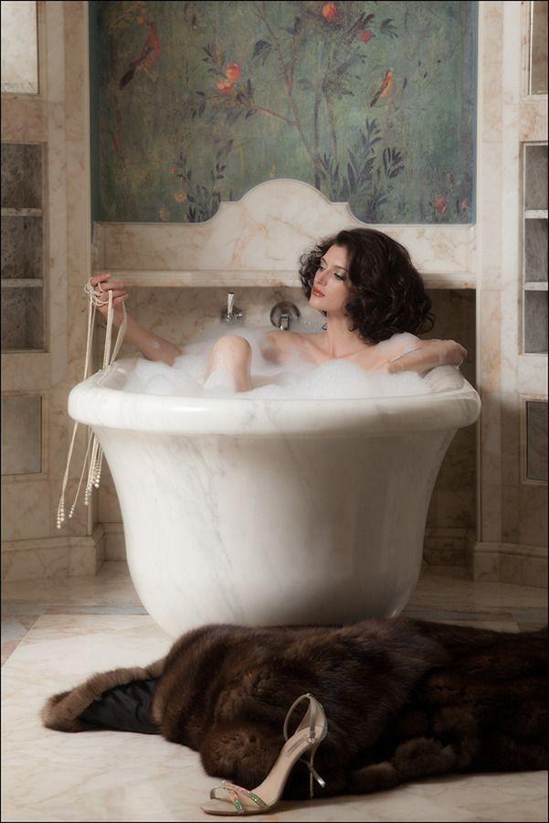 Pretty Woman In The Bath