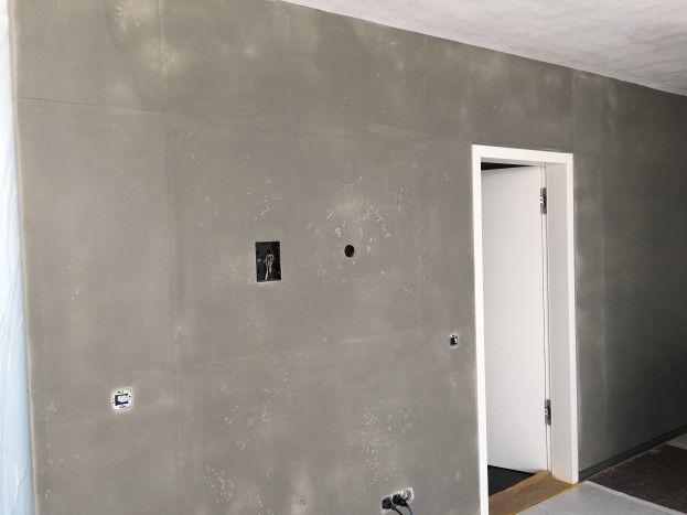 Der Wandflache Noch Verstarken Wie Die Oberflache Strukturiert Sein Soll Welche Art Von Stossen U In 2020 Wand Sichtbeton Wand Putz