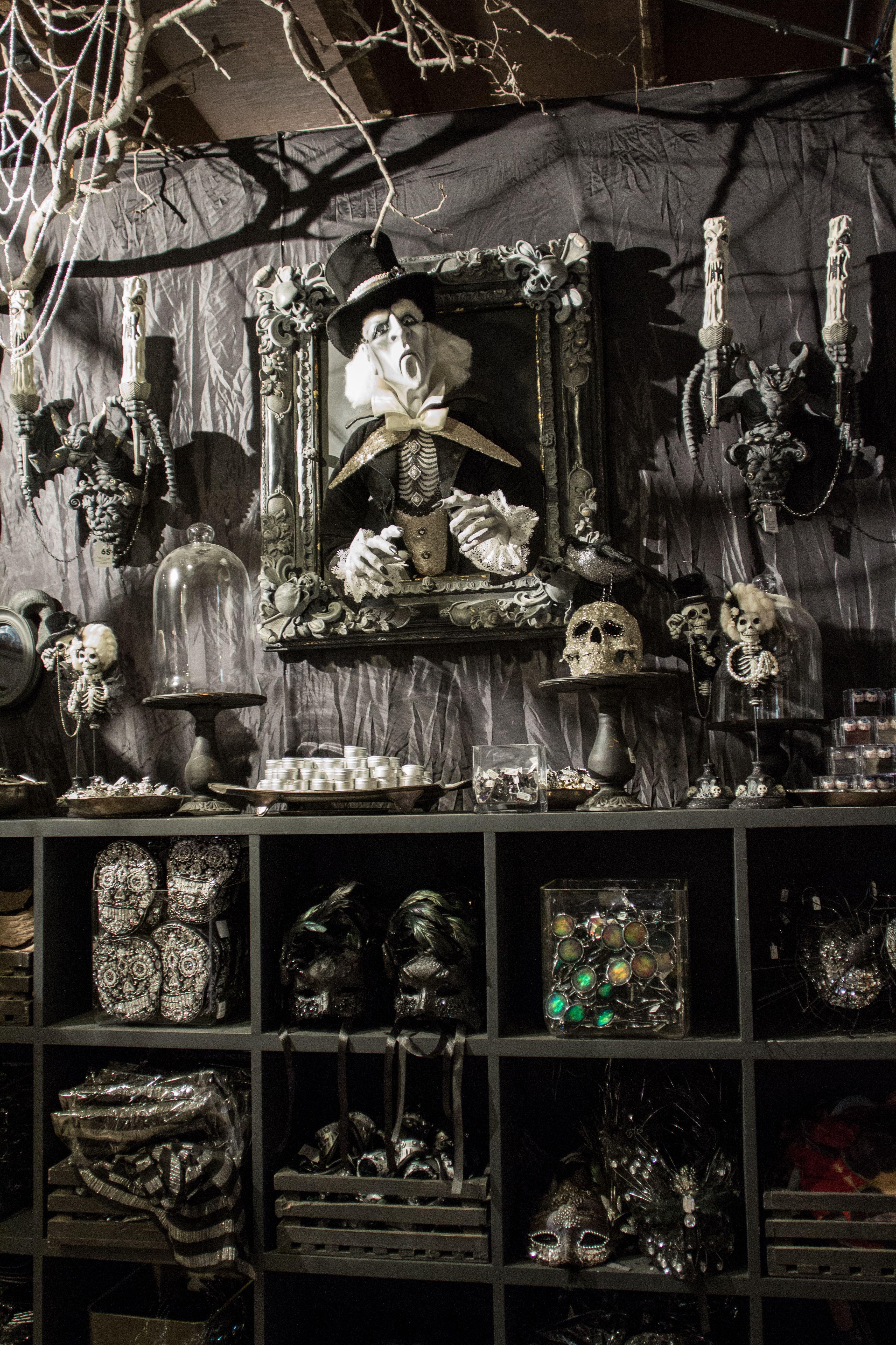 rogers gardens halloween 2016 - Haunted Halloween Decorations