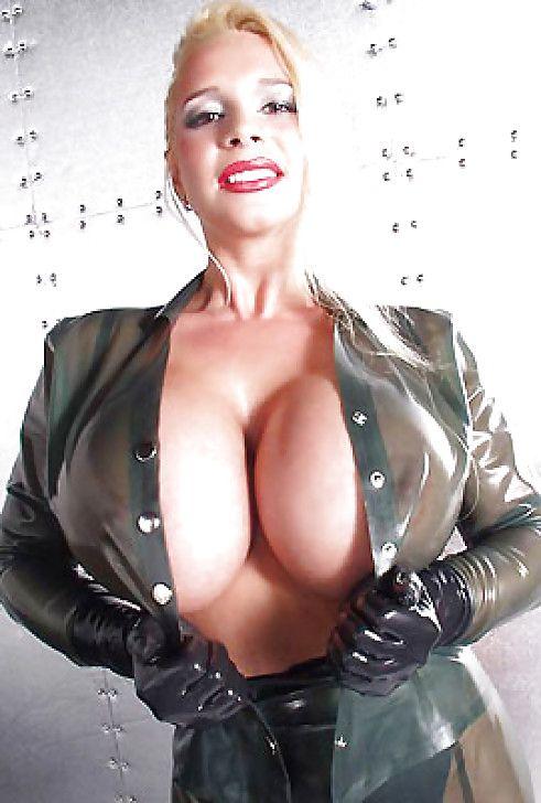Big boobs milf domina stepmom fucks 4