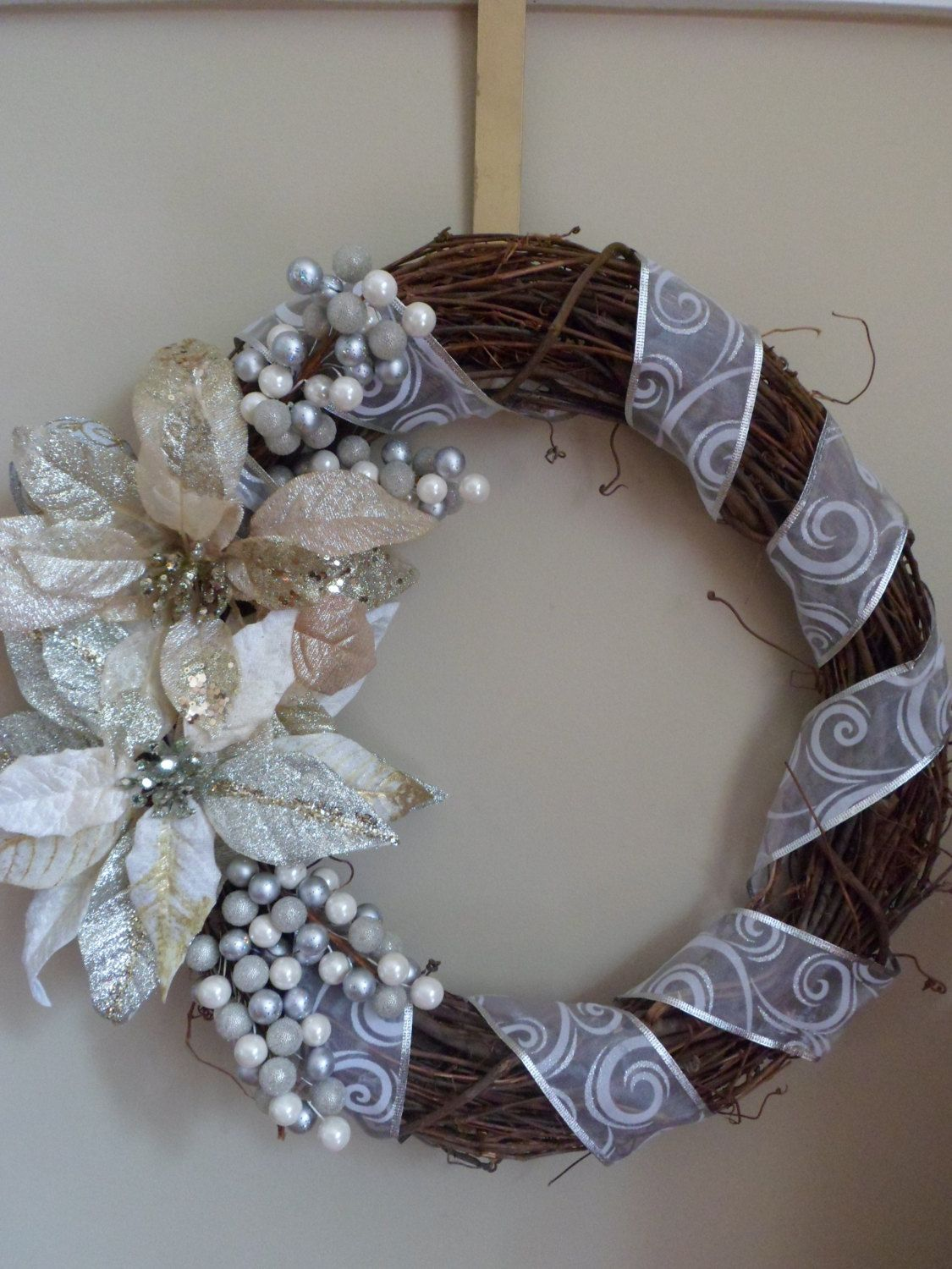 Winter Wreath by RodearVintage on Etsy