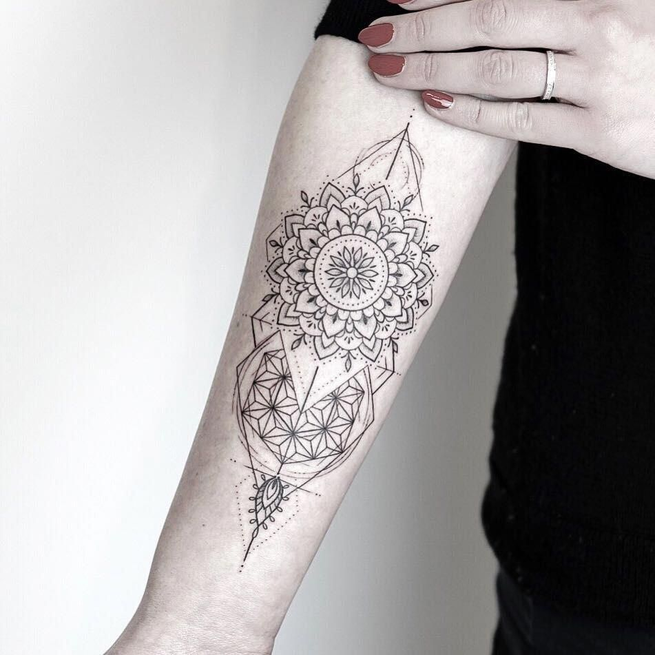 Geometric Mandala Tattoo By Rachainsworth Coolgeometrictattos Geometric Mandala Tattoo Geometric Tattoo Design Forearm Mandala Tattoo