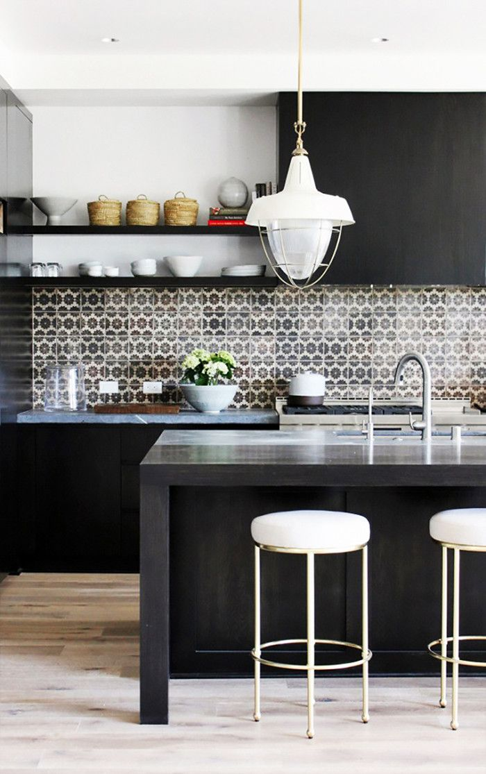 10 Out of 10 Designers Will Want to Tile Their Kitchen Like This