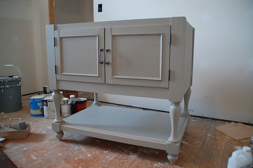 Site has directions on how to DIY vanity.