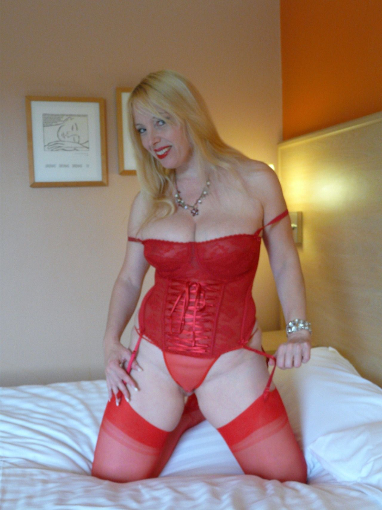 Lucy Gresty Ready For Red Really Returns Pinterest
