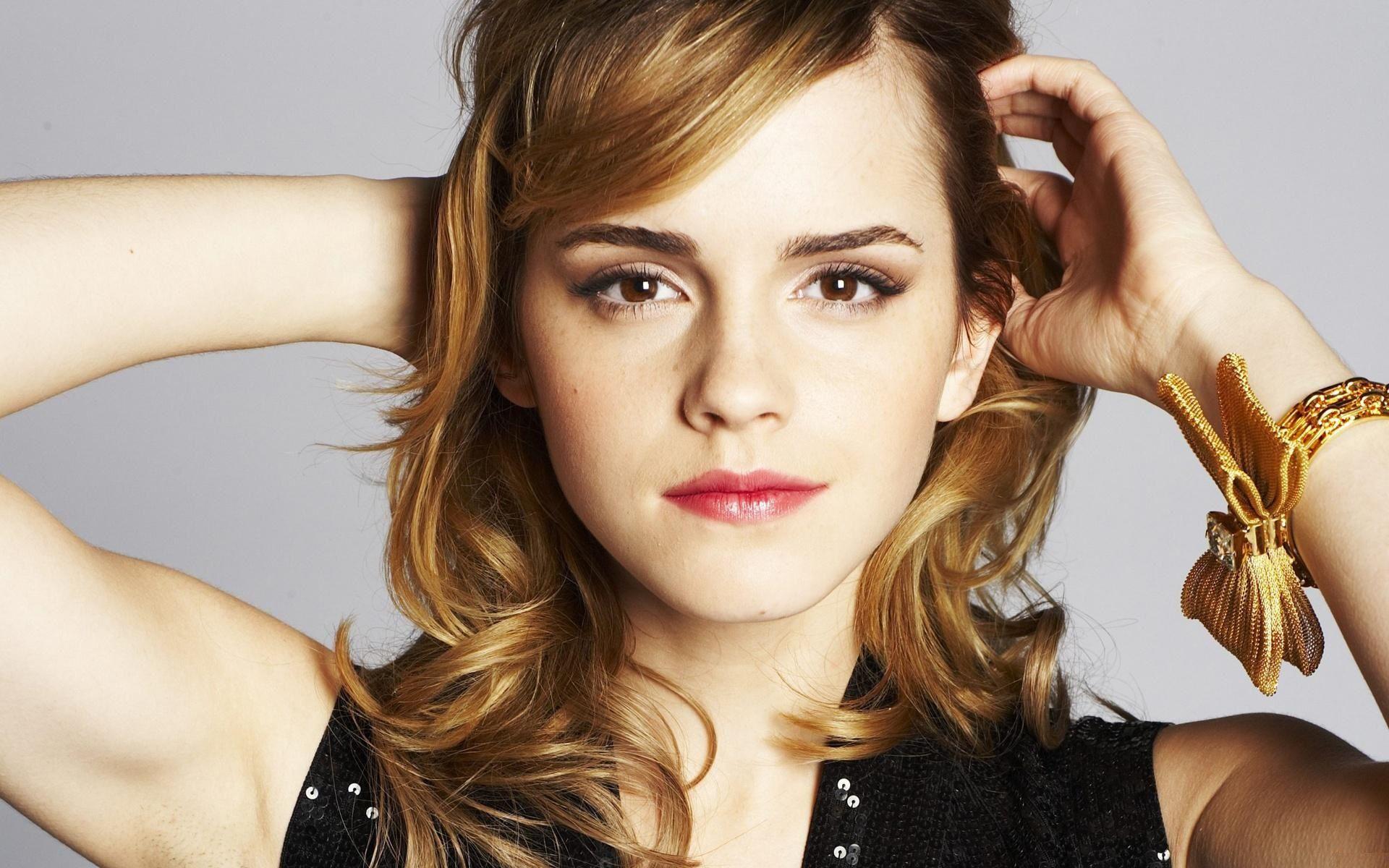Emma Watson Hd Wallpapers Free Download Latest Emma Watson Hd Wallpapers For Computer Mobile Iphone Emma Watson Beautiful Emma Watson Emma Watson Wallpaper