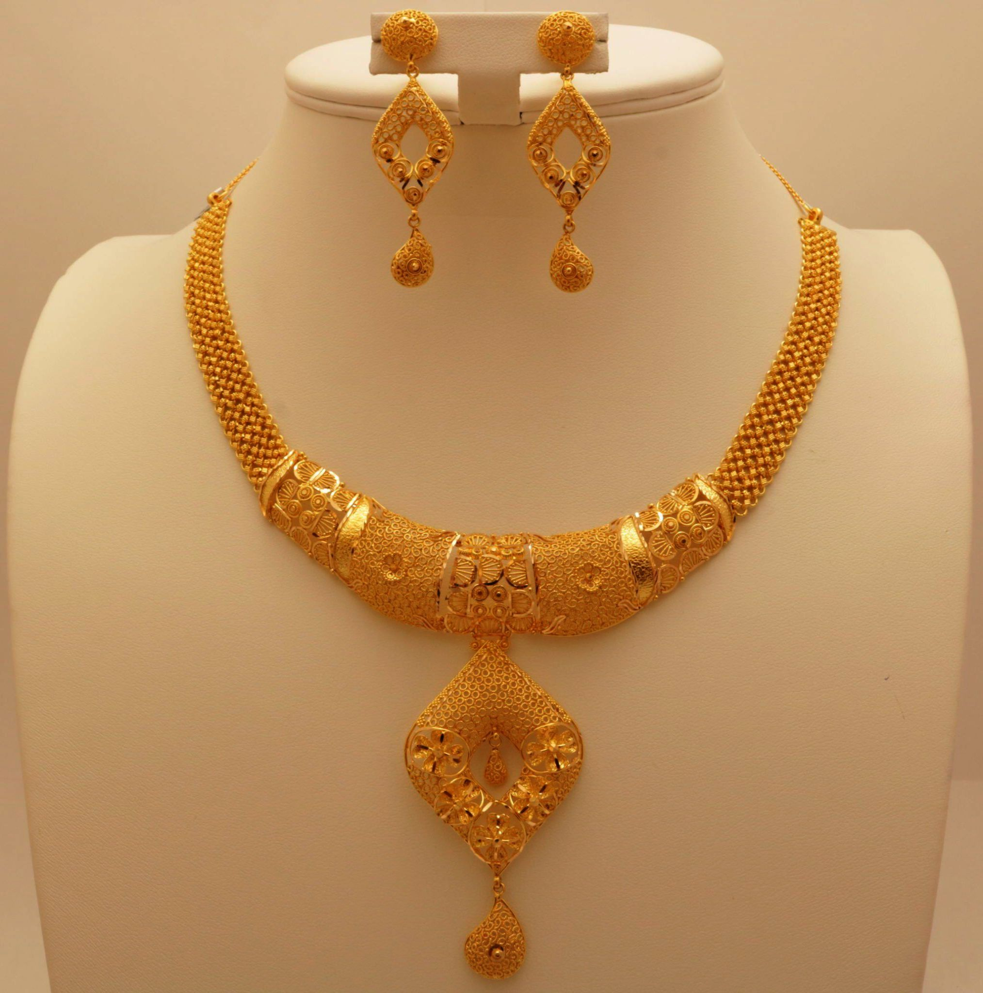 Jewellery Box For 8 Year Old Only Jewellery Shops Cork Gold Necklace Designs Gold Necklace Set Gold Jewelry Necklace