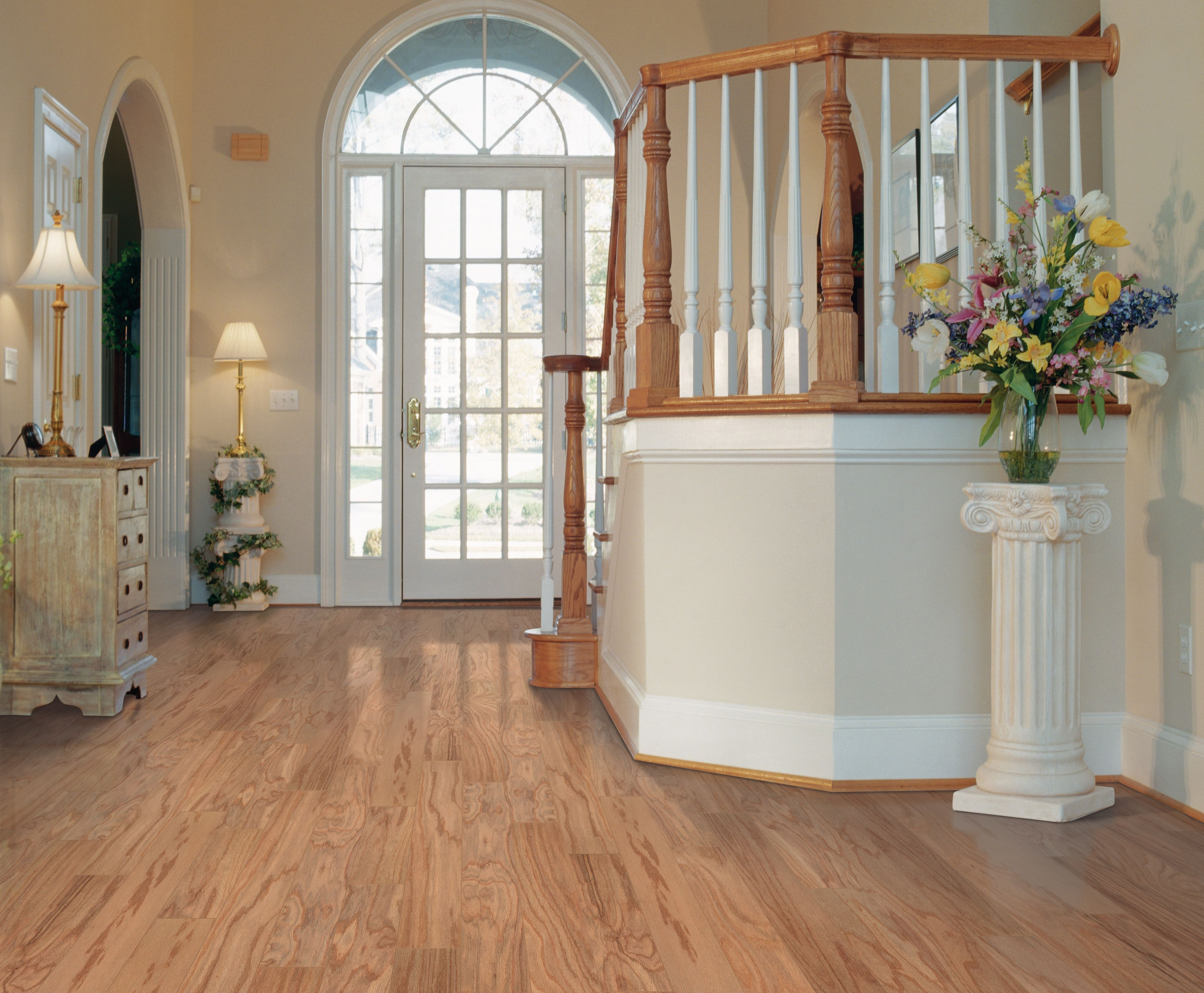 Mohawk oak town hardwood flooring get inspired by these rooms tile doublecrazyfo Image collections